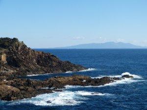 伊豆大島を望む