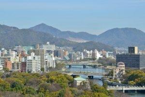 広島市街と太田川