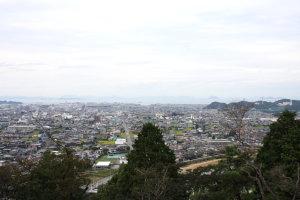 新居浜市街眺望(いよ観ネット)