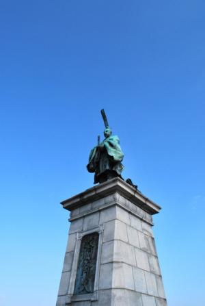 福岡市東公園の亀山上皇像